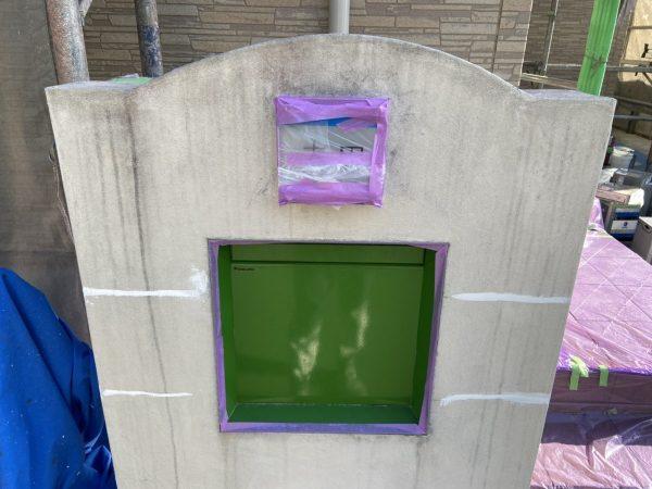 塀の下塗り塗装作業完了