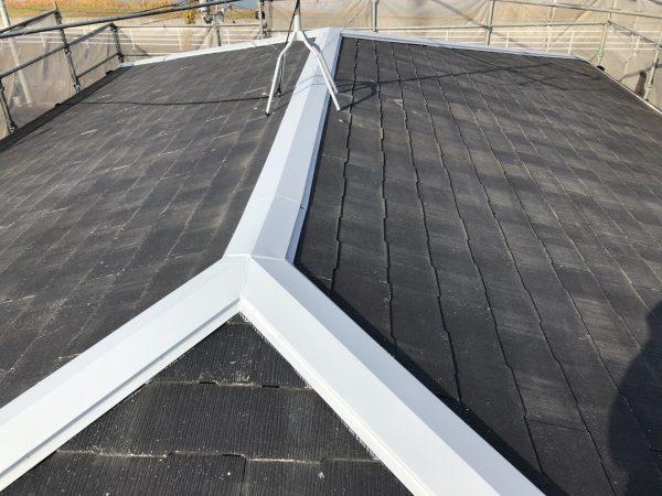 屋根板金の錆止め塗装作業完了