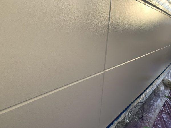 ベランダ腰壁の上塗り2回目塗装作業完了