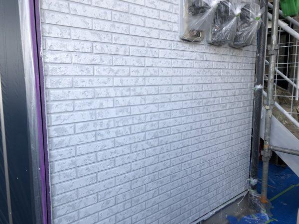 外壁のWBクリアー塗装作業完了