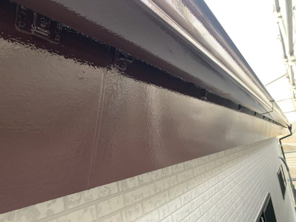 付帯部の上塗り1回目塗装作業完了