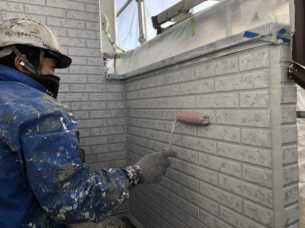 外壁のWBアートクリアー塗装作業状況