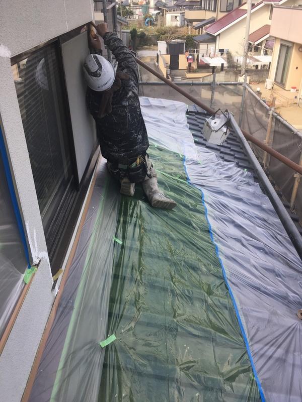 益城町広崎Y様邸外壁塗装工事 Uカット部分モルタル補修 養生サムネイル