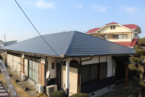 熊本市南区城南町さんさん ガルバニウム鋼板葺き替え工事サムネイル