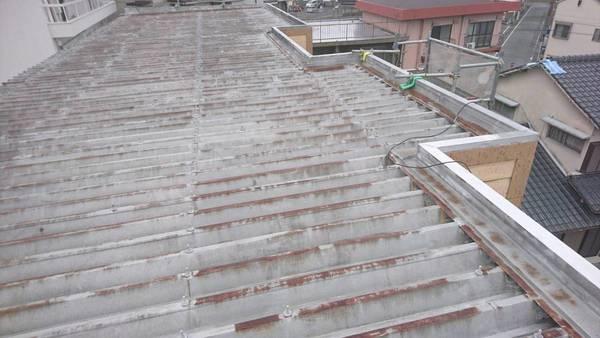 熊本市中央区九品寺 アパート切板屋根遮熱塗装工事サムネイル