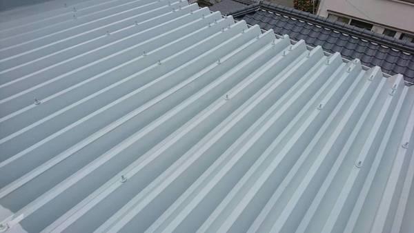 熊本市中央区九品寺 アパート折板屋根遮熱塗装工事サムネイル